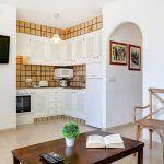 Apartamentos-playa-gold-t2-cocina-comedor
