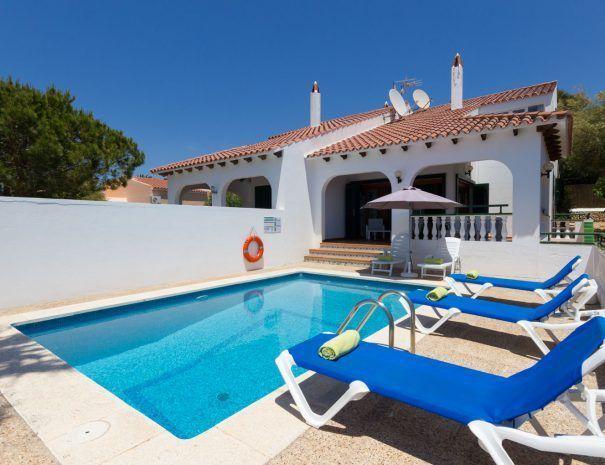 villa-carolina-piscina-porche