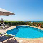 alquilar villa en Menorca