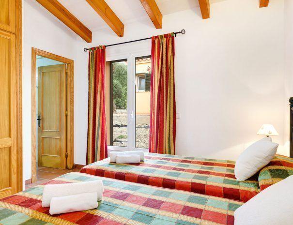 villa-menorca-surT2-dormitorio-1