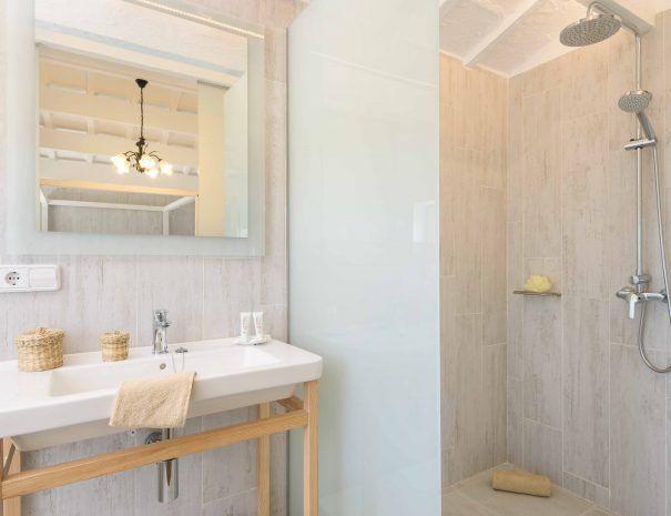 finca-llucasadentet-baño-en-suite-2